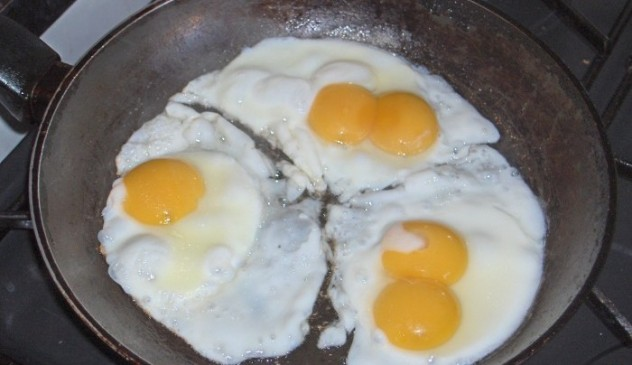 telur-rebus-buka-cangkang